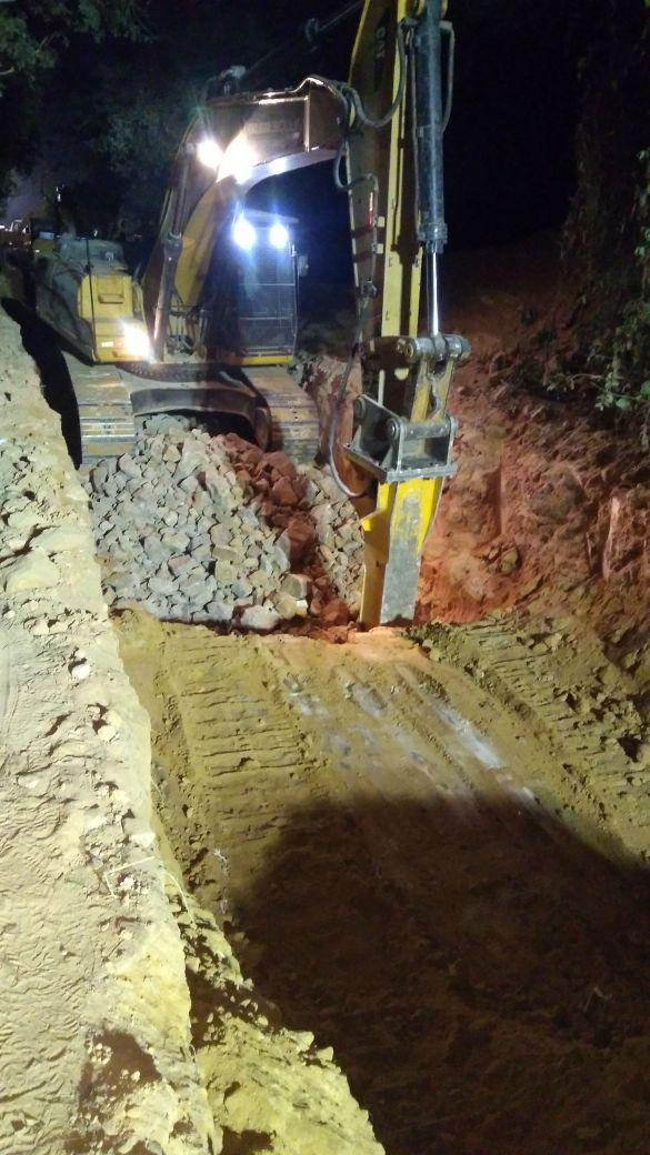 Demolição de rocha com utilização de Rompedor Hidráulico
